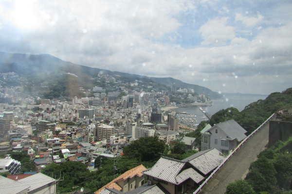 眺望 熱海の街並みを一望