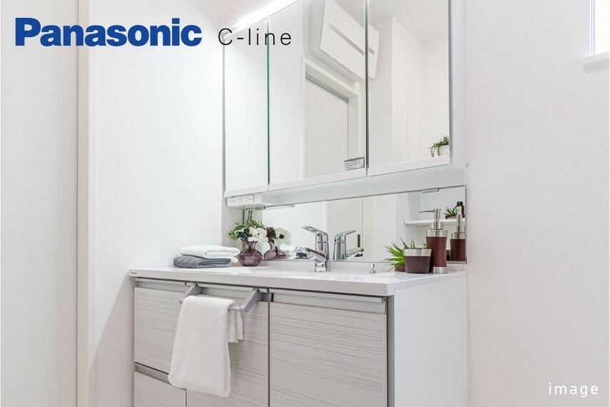 発電・温水設備 パナソニックシーライン  拭き取りやすい水はねパネルを付けたサニタリー。機能性とデザイン性を兼ね備えた洗面化粧台です。