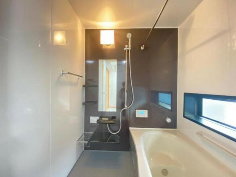 浴室 (浴室)大きな浴室でお子様とのバスタイムもお楽しみいただけます^^浴室暖房乾燥機付きなので寒い冬も快適バスタイム