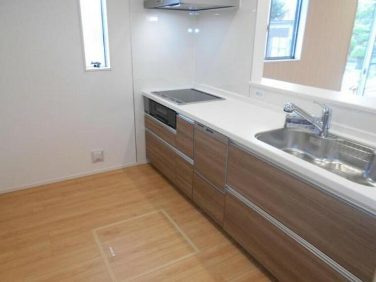 同仕様写真(内観) 【キッチン】食器洗浄乾燥機を全棟に標準装備!家事の負担を軽減します。