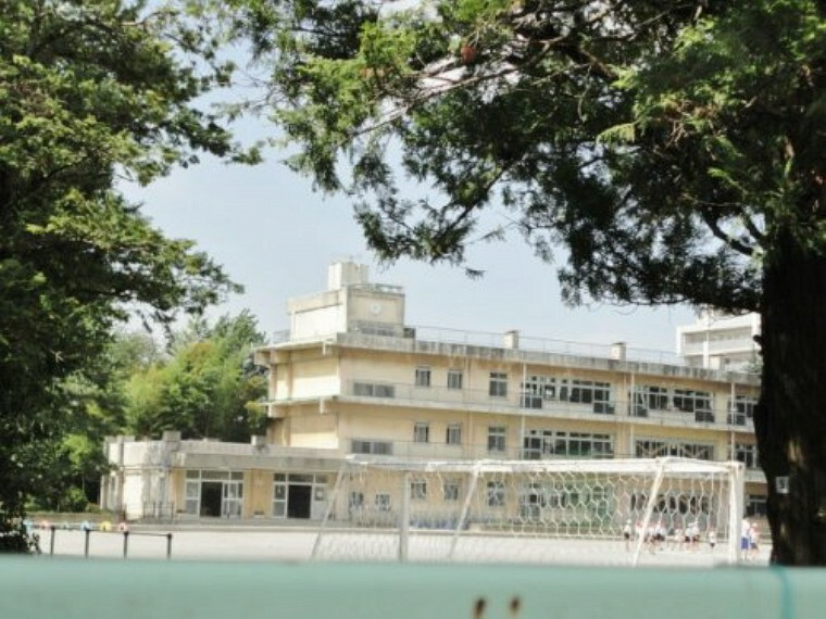 小学校 【小学校】草加市立栄小学校まで1100m