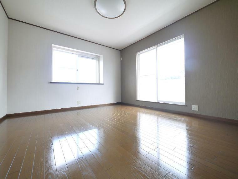 寝室 ご夫婦お二人のプライベートシーンを演出する、やすらぎとくつろぎの空間 2F洋室8.5帖