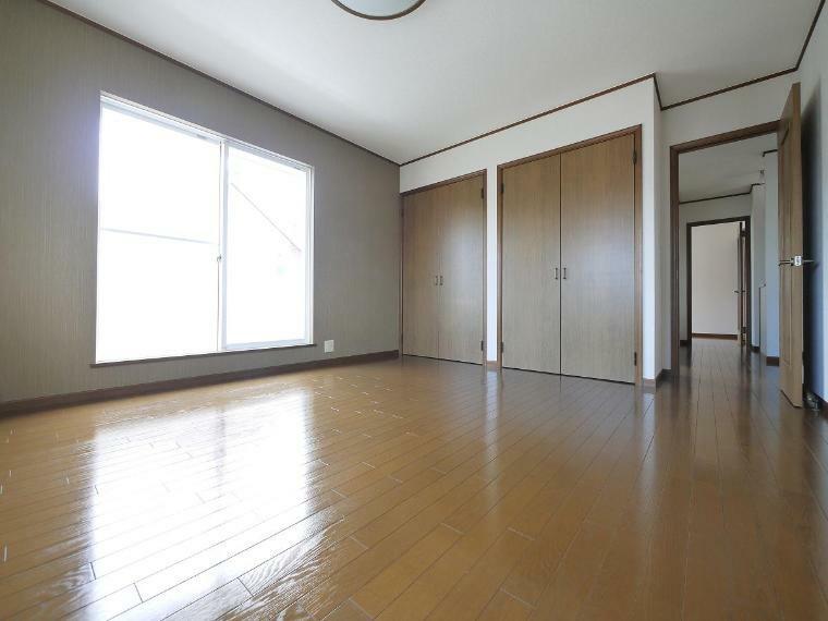 寝室 2F洋室8.5帖