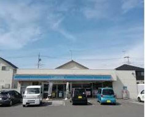 コンビニ 【コンビニエンスストア】ローソン 小山中久喜五丁目店まで1720m