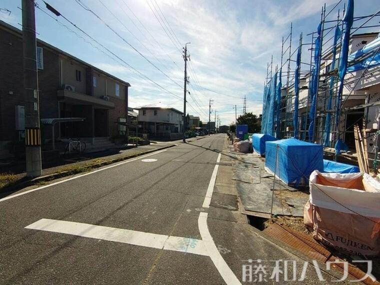 現況写真 南側 前面道路含む現地写真