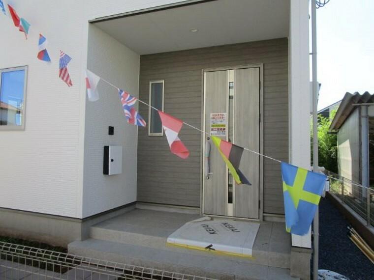 玄関 (令和3年7月 撮影)