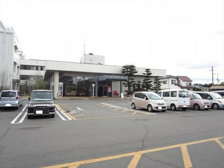 役所 三木町役場まで1650m、車で4分です。