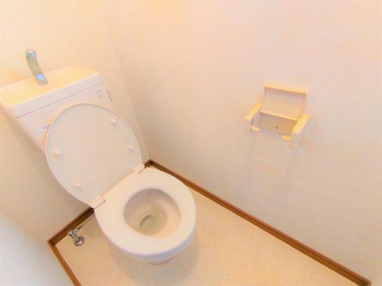 トイレ 【7月22日リフォーム前】現状のトイレです。現状のトイレは撤去し、新品交換予定です。