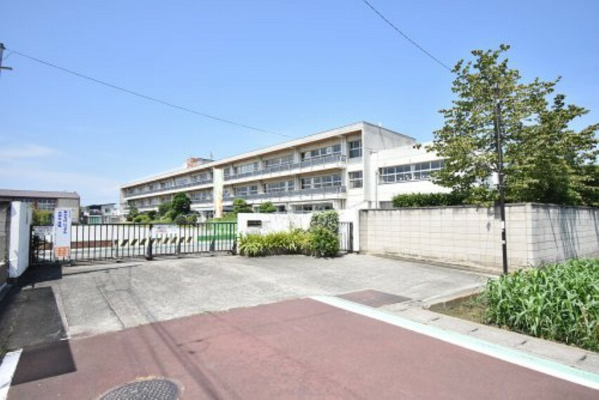 小学校 【小学校】新町第二小学校まで288m