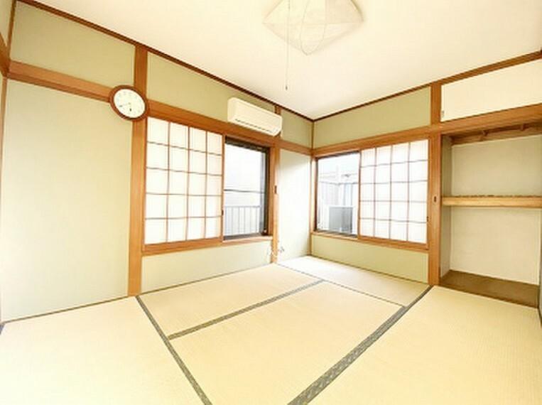 明るい陽射し、畳と襖のハーモニーが和の落ち着く空間を実現しました。エアコン設置