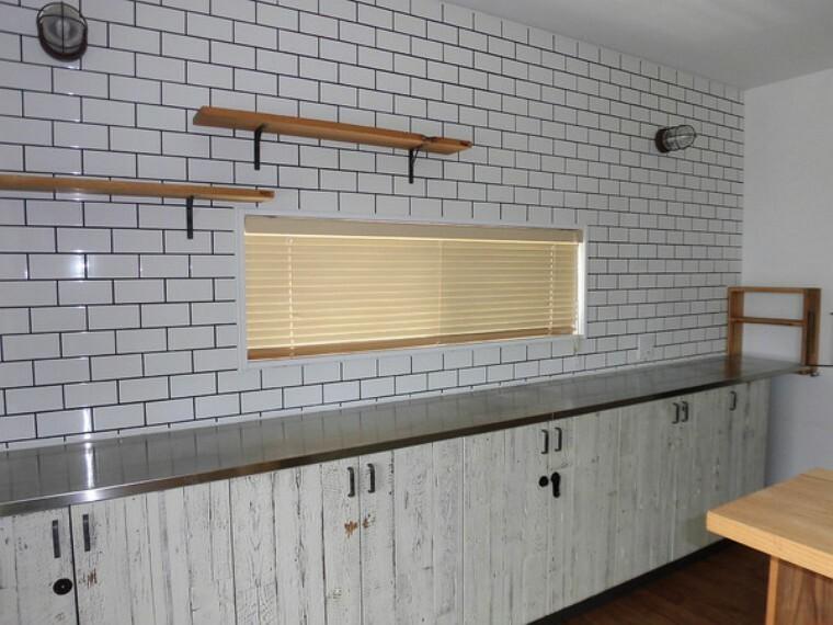 キッチン 収納が多くすっきり片付きます