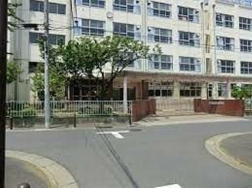 中学校 足立区立谷中中学校 徒歩7分。