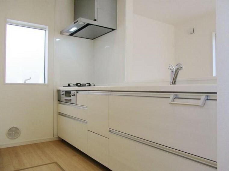 同仕様写真(内観) 施工例:キッチン IHコンロ&浄水器一体型対面キッチン