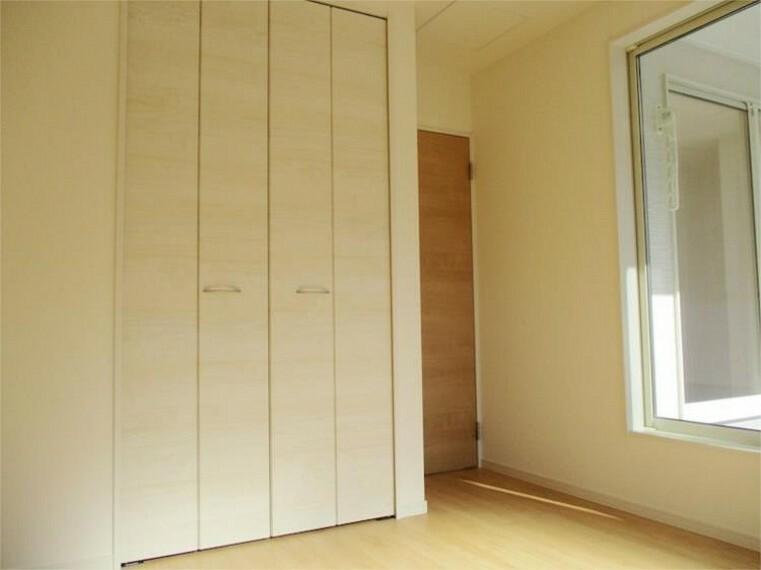 同仕様写真(内観) 施工例:洋室 居室2、クローゼット