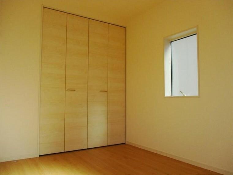 同仕様写真(内観) 施工例:洋室 居室3、南東角部屋+大型クローゼット!