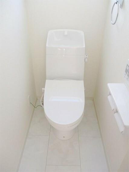 トイレ 1号棟・同仕様トイレ 2階ウォッシュレット付きトイレ!