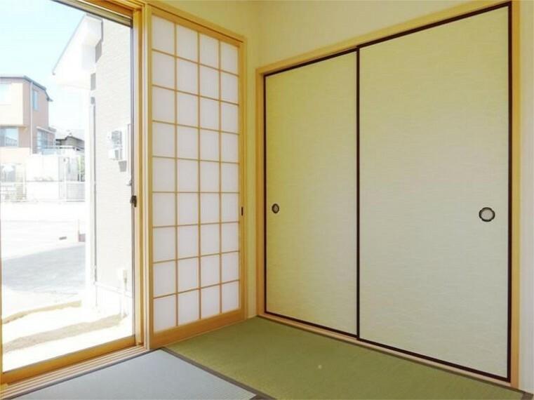同仕様写真(内観) 施工例:和室 1階和室の押し入れはゲスト用・季節のお布団も余裕の収納力!