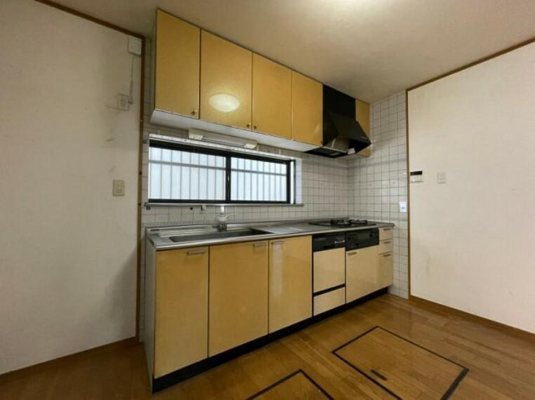 キッチン 3口コンロで家事がはかどります。