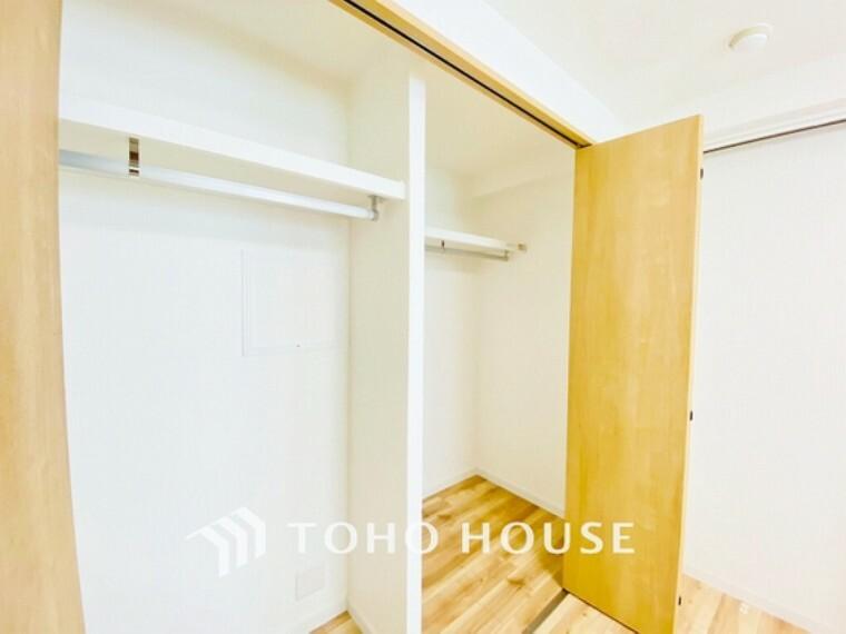 収納 収納の多さも魅力です。使い勝手の良い収納を豊富に設置しております。居住スペースを充分に確保することができる為、ゆとりある室内で、ゆっくりとご寛ぎいただけます。