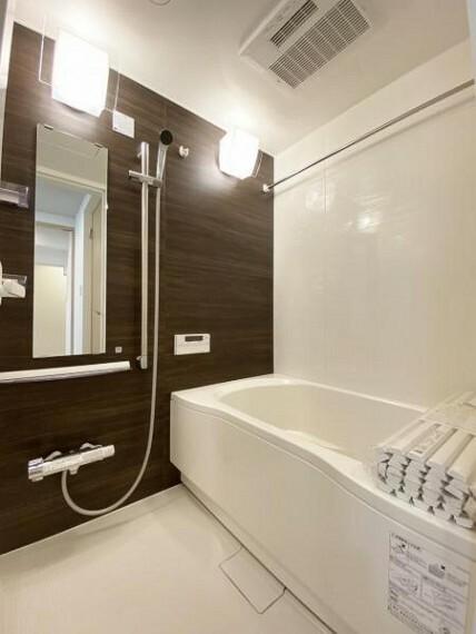 浴室 1日の疲れを癒してくれる広々とした浴室は癒しの空間としてカスタマイズが可能です。