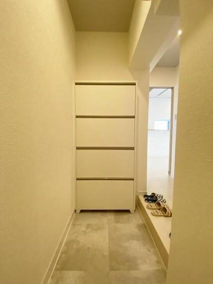 玄関 今後ご家族の「行ってきます」「ただいま」が行き交う空間になることでしょう。