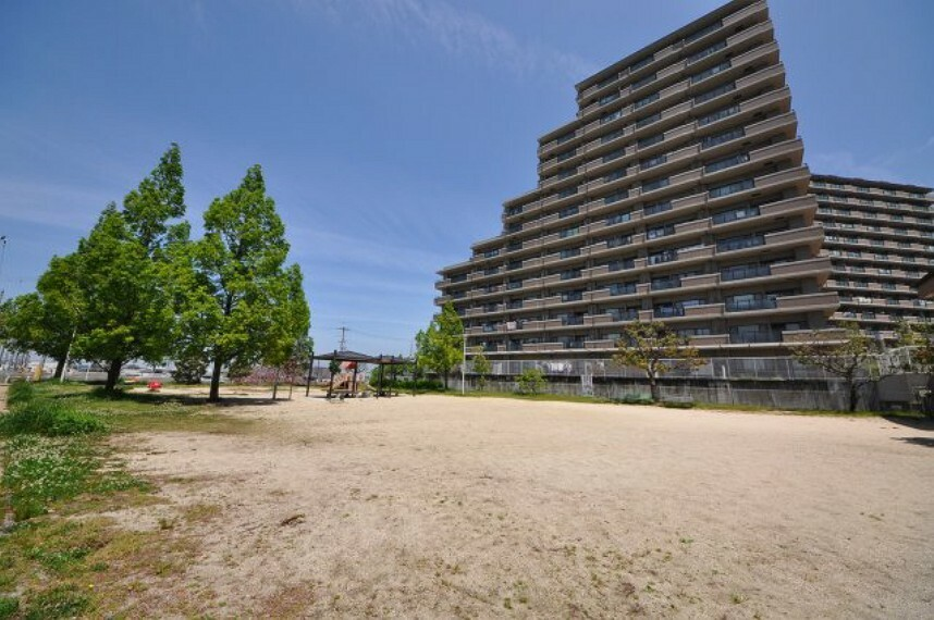 小田4号公園(マンション隣接公園)