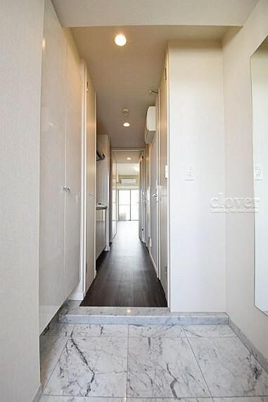 玄関 玄関から室内