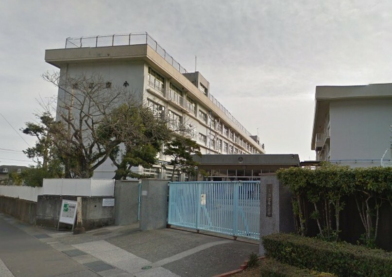 小学校 【小学校】高知市立潮江南小学校まで205m