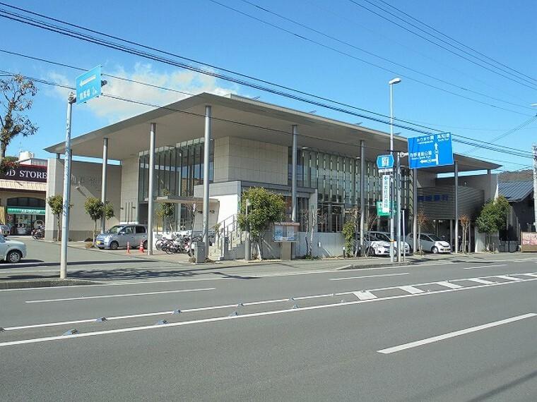 銀行 【銀行】四国銀行桂浜通支店まで895m