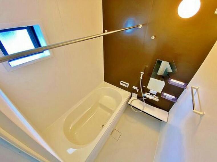 浴室 疲れを癒す、快適で清潔な空間で心も体もオフになる極上のリラックスタイムをお楽しみください。