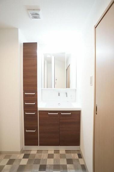 洗面化粧台 ~washroom~ 上質な洗面空間がゆとりの時間を演出  9月3日撮影