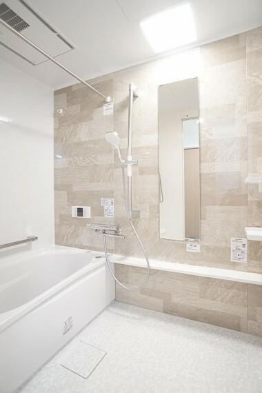 浴室 ~bathroom~  浴室乾燥機付で心地よいバスタイムを実現  9月3日撮影