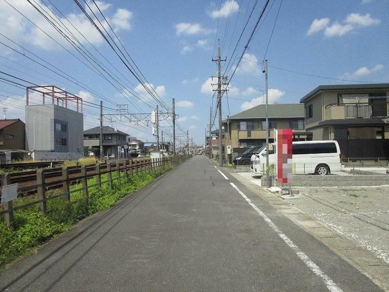 現況写真 前面道路 (2021年7月31日撮影)