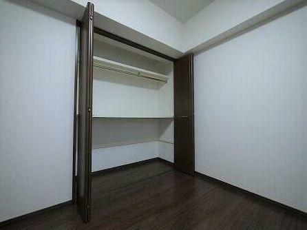 収納 各部屋の収納は棚とパイプがついているので収納力ばっちり!