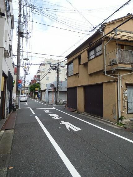 現況写真 前面道路含む現地土地写真 (2021年8月撮影)
