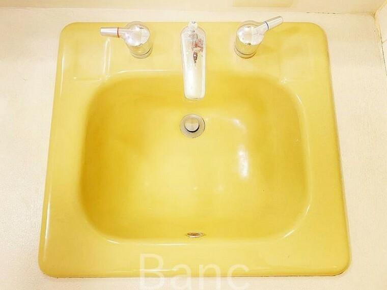 洗面化粧台 水周り綺麗です。