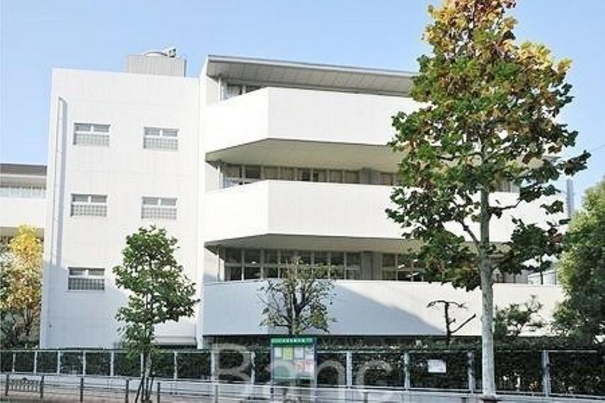 小学校 港区立赤坂小学校 徒歩21分。