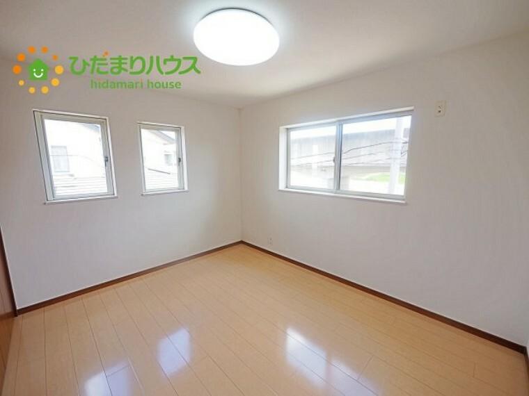 洋室 2階に4部屋あるので、パパの書斎やママの趣味の部屋も実現可能です(^O^)