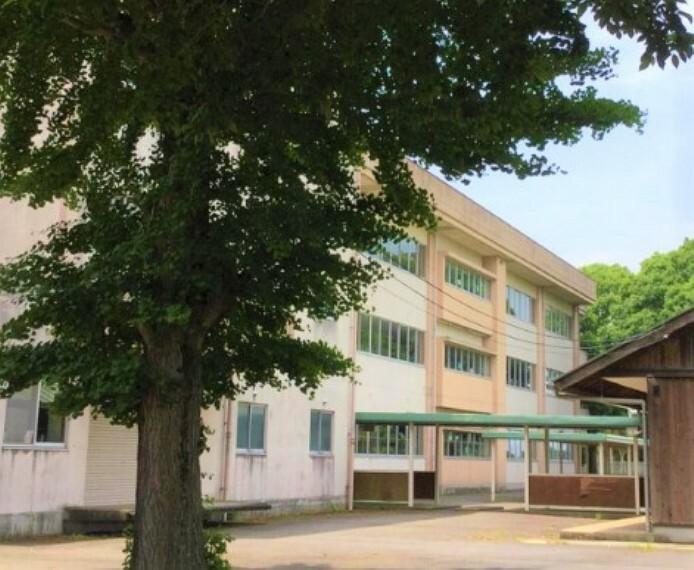 中学校 【中学校】つくば市立高山中学校まで5976m