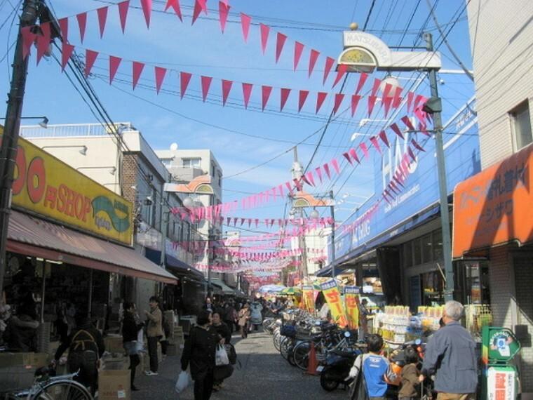 周辺の街並み 松原商店街