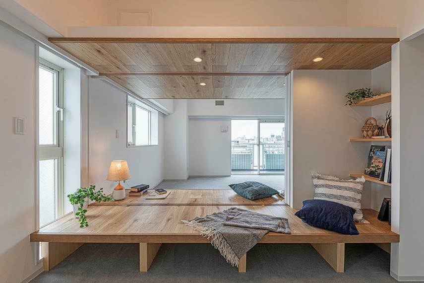 寝室 Bed Room