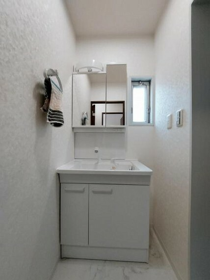 洗面化粧台 シャンプードレッサーで朝の身支度も楽々