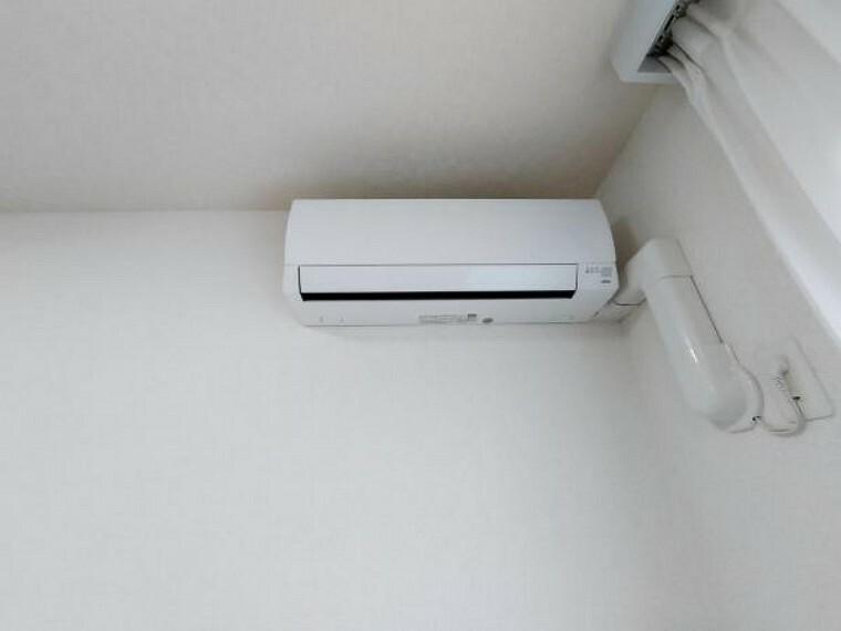 冷暖房・空調設備 エアコンついています。