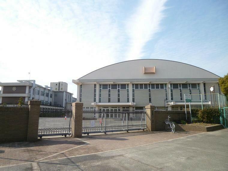 中学校 清須市立西枇杷島中学校