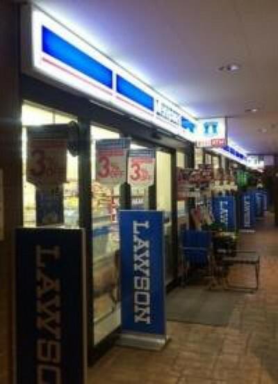 コンビニ 【コンビニエンスストア】ローソン 西荻マイロード店まで63m
