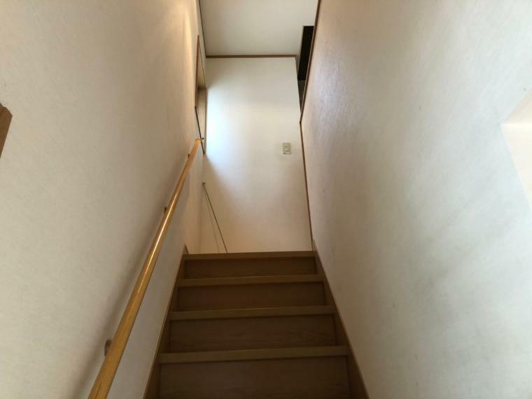 階段(撮影日時2021年7月12日