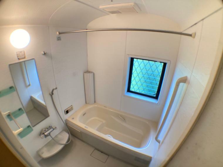 浴室 浴室(撮影日時2021年8月2日)