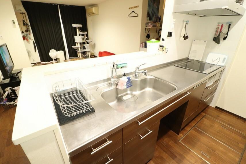 キッチン ヘーベルオリジナルのキッチン! キッチンには人気の食洗機を搭載! 日々の家事の手間を低減してくれます。 ※1階部分