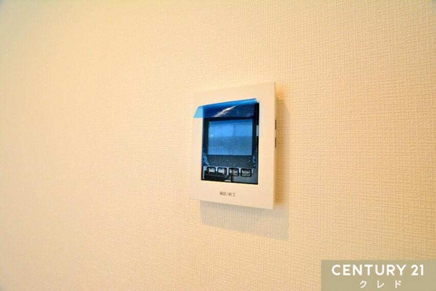 専用部・室内写真 TVモニター付きインターホン! 訪問者の顔をしっかり確認できて安心。