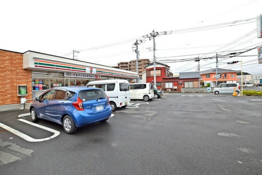 コンビニ セブンイレブン鶴ヶ島市役所通り店